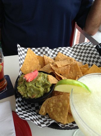 Guac-n-Roll Cantina: The Guac and Chips