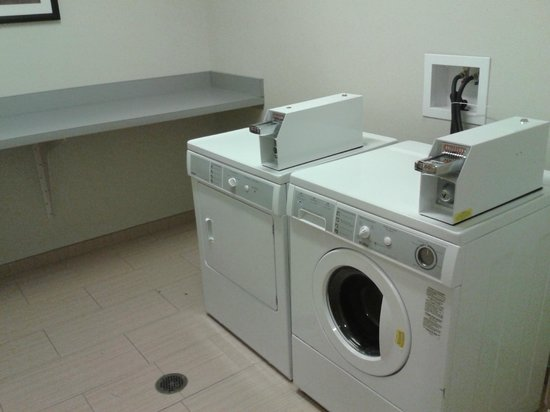 SpringHill Suites Alexandria Old Town/Southwest: 24 hour laundry room. Coin operated washer and dryer. $1.00 per load
