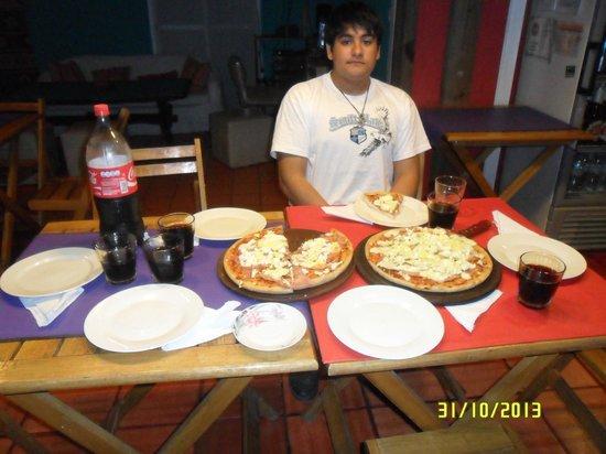La Deseada Hostel : cena en el comedor