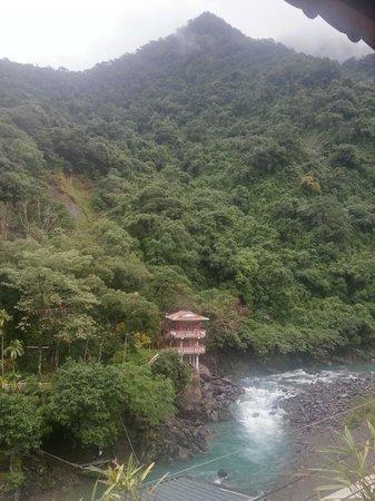 Full Moon Spa: mountain & river
