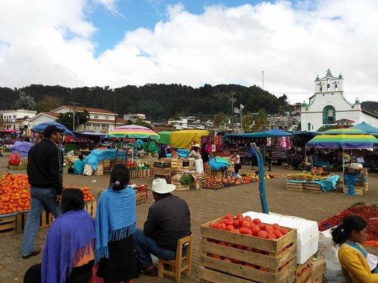 El tianguis en San Juan Chamula