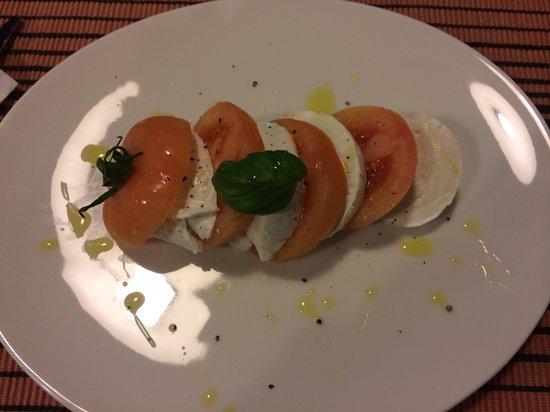 Signor Pomidor: Caprese salad
