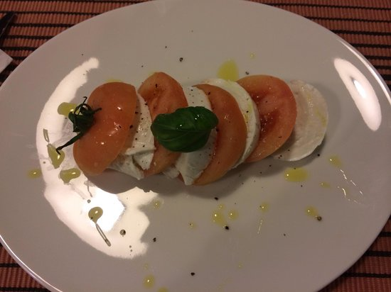 EST! by Signor Pomidor: Caprese salad