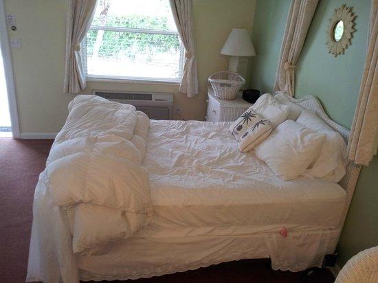Marco Island Lakeside Inn : Bett für 2 Personen