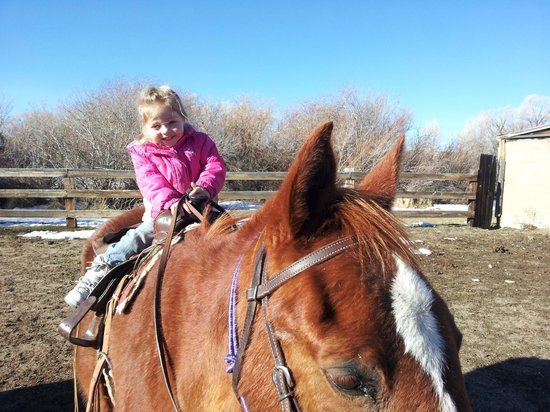 Vee Bar Guest Ranch: Lead-arounds for young kids!
