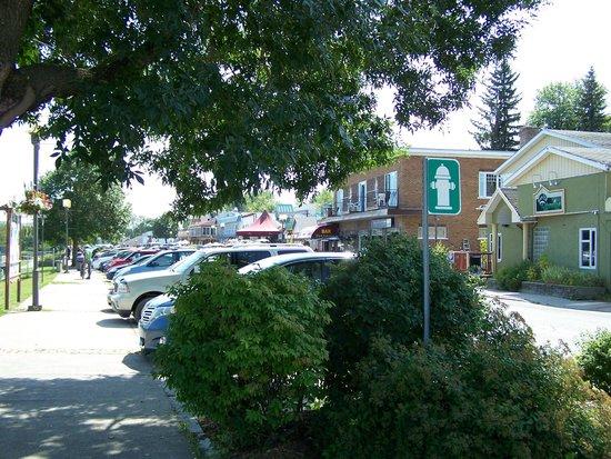 Temiscouata-sur-le-Lac, Canada: Centre-ville de Cabano, stationnement gratuit