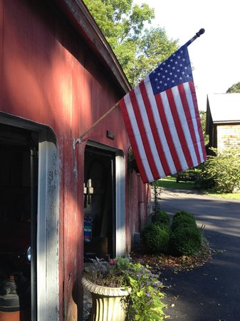 Sugar Loaf Hill B&B: Americana!
