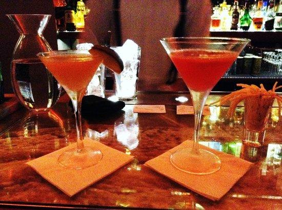 Bugsy's bar: cosmopolitan