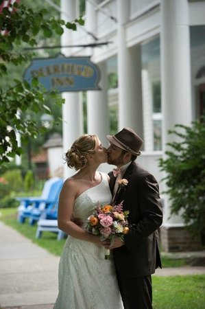 Deerfield Inn: weddings!