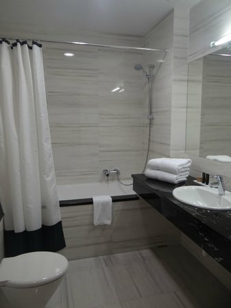 Metropolitan Boutique Hotel: sdb