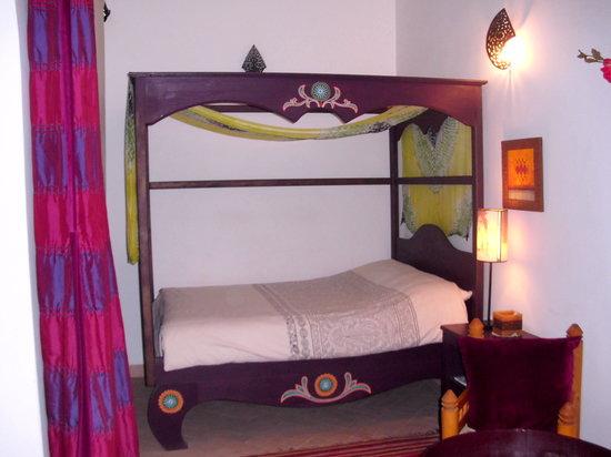 Dar Malaika: chambre AAJIBA/MERVEILLEUSE