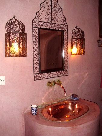 Dar Malaika: Salle de bains chambre AAJIBA