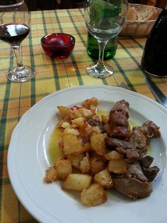 Giffoni Valle Piana, Italy: Spezzatino con patate e peperoni