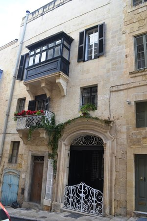 Palazzo Citta Valletta / Palazzo Valletta Suites: Front of the house