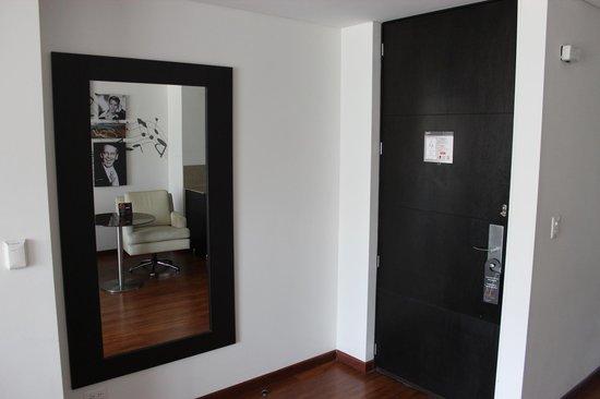 Jazz Apartments: spiegel/deur