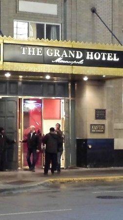 Kimpton Grand Hotel Minneapolis: Entrance to the Grand Hotel