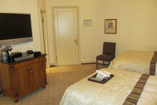 Fairmont Hotel Vier Jahreszeiten: Plenty of space here