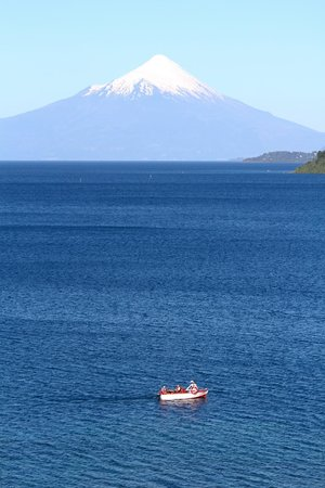 Hotel Cumbres Puerto Varas: View of Lago Llanquihue Osorno from the hotel