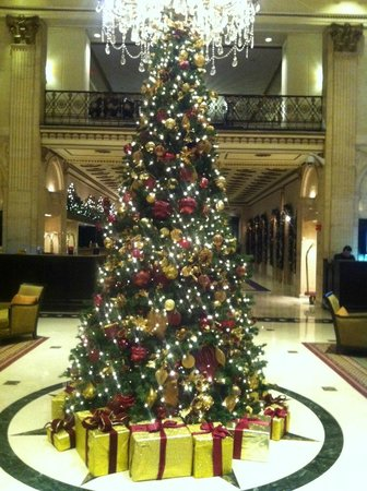 The Roosevelt Hotel: Holiday tree in main lobby. November 2013