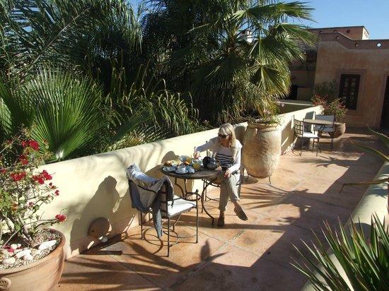 La Villa Nomade : terrasse surplombant la ville