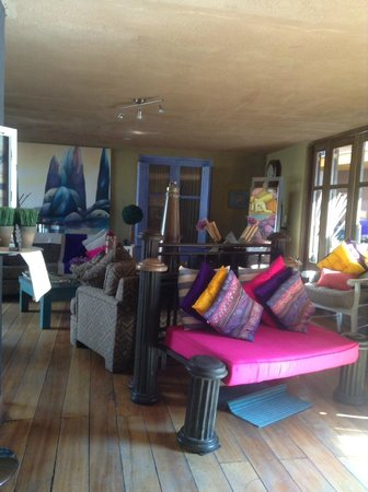 Azul Colonial Inn : view of hotel lobby and artwork