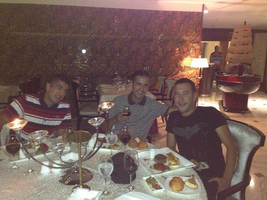 Hotel Oasis : dinner