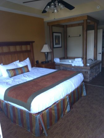 Holiday Inn Club Vacations Smoky Mountain Resort : Master Bedroom