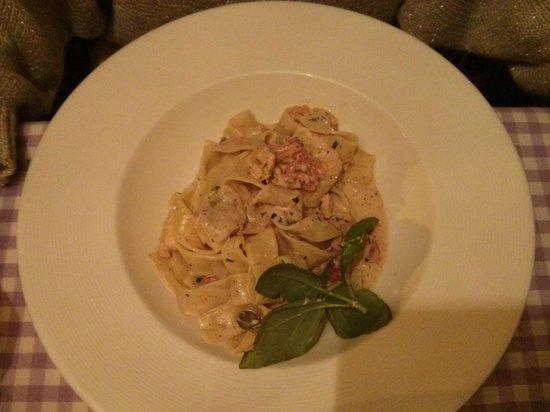 La Maddalena Restaurant: Starter based on liver