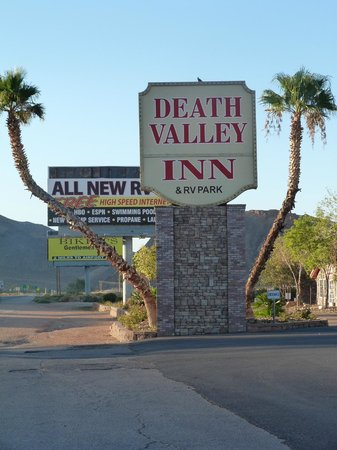 Death Valley Inn: L'enseigne de l'hotel