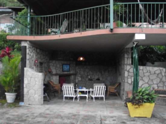 The Golden Frog Inn: Areas to Relax