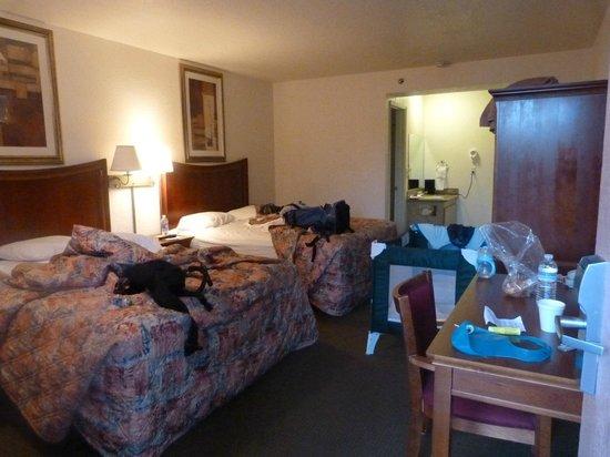 Death Valley Inn : Notre chambre avec un peu de chantier !!!