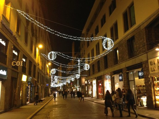 Hotel Hermitage : Nearby street at Christmas time