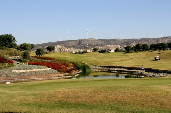 Aphrodite Hills Golf & Spa Resort Residences: golf course