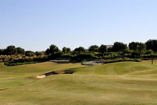Aphrodite Hills Golf & Spa Resort Residences: golf course