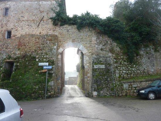 Agriturismo Borgo di Torri: Ingresso del borgo