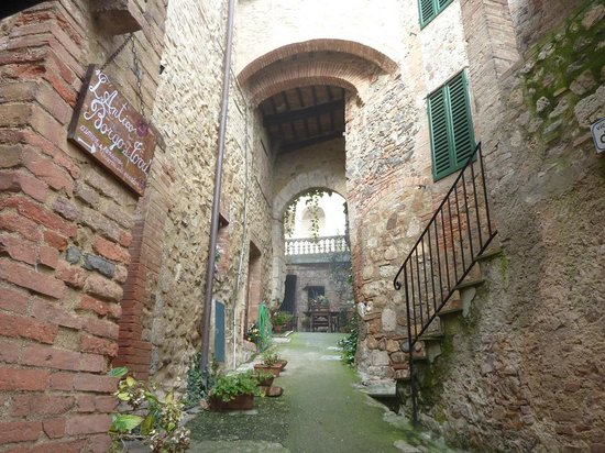 Agriturismo Borgo di Torri: Ingresso della struttura