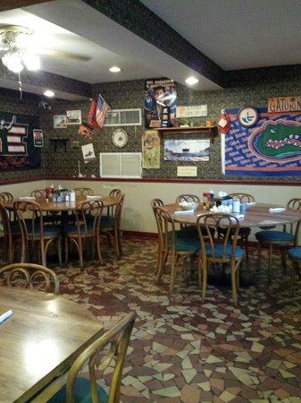 Grannies Restaurant: Interior