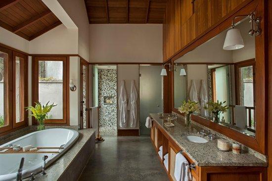 Carmelo Resort & Spa, A Hyatt Hotel: Bathroom Hotel