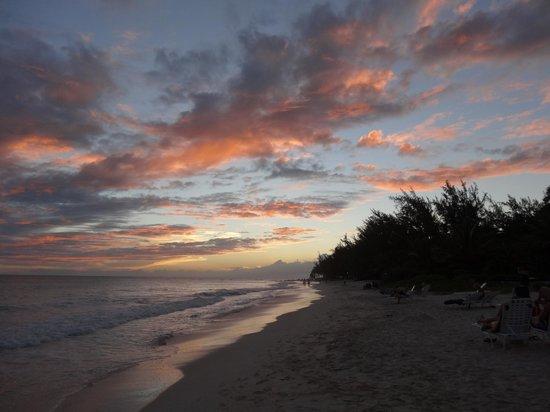 Bougainvillea Beach Resort : Another beautiful sunset