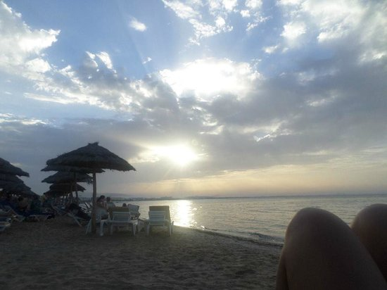 SENTIDO Rosa Beach : The Sun about to set, it really was gorgeous that time.