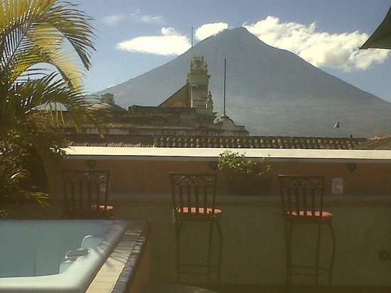D'Leyenda Hotel: dalla terrazza
