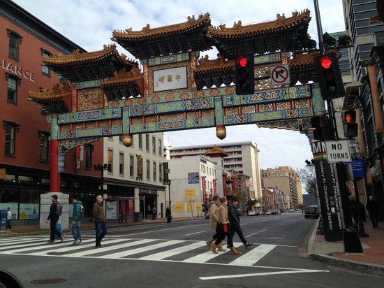Kimpton Hotel Monaco Washington DC: Chinatown across street