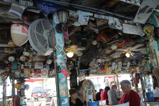 Porky's Bayside - Restaurant and Marina: décors