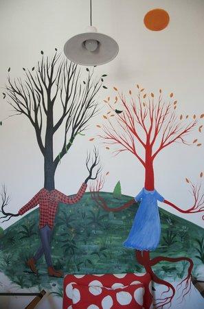 Hotel Fauna : Pintura habitación 13