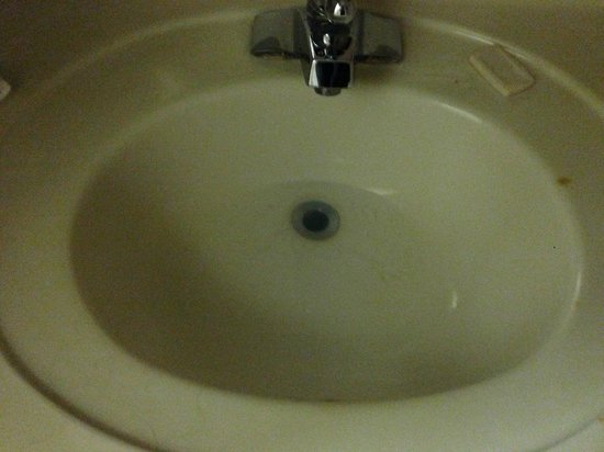 Motel 6 Conyers: Sink was stopped up