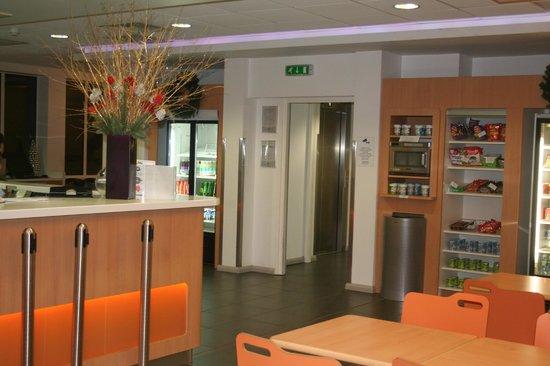 Hotel ibis budget London Whitechapel - Brick Lane: microonde