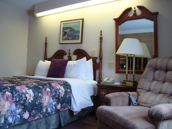 Old Orchard Inn & Spa: Comfortable queen bed