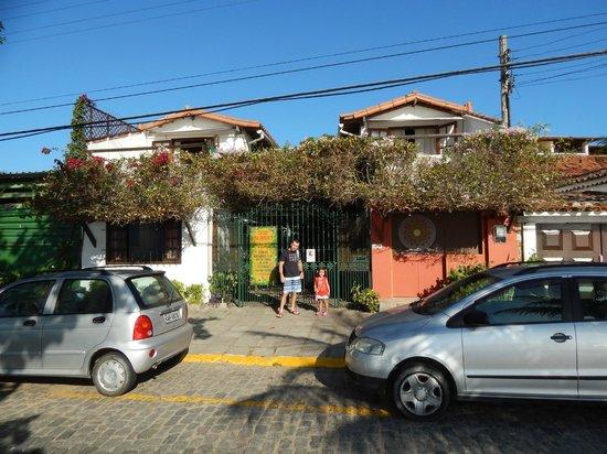 Cesar Apartamentos : asi se ve desde la calle