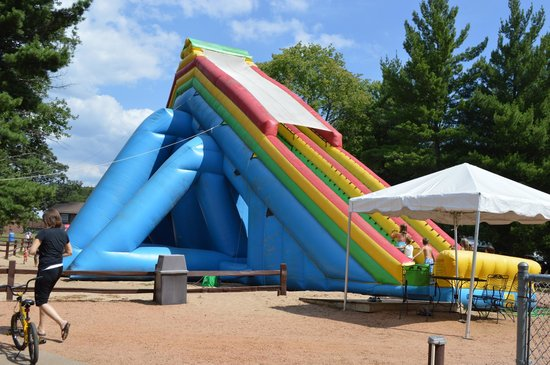 Pineland Camping Park: Pinezilla - 42 foot high inflatable waterslide