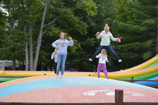 Pineland Camping Park: Jumping pillow in Funland
